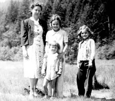 Ethel, Carolyn, Judy, and Janet Crook about 1941